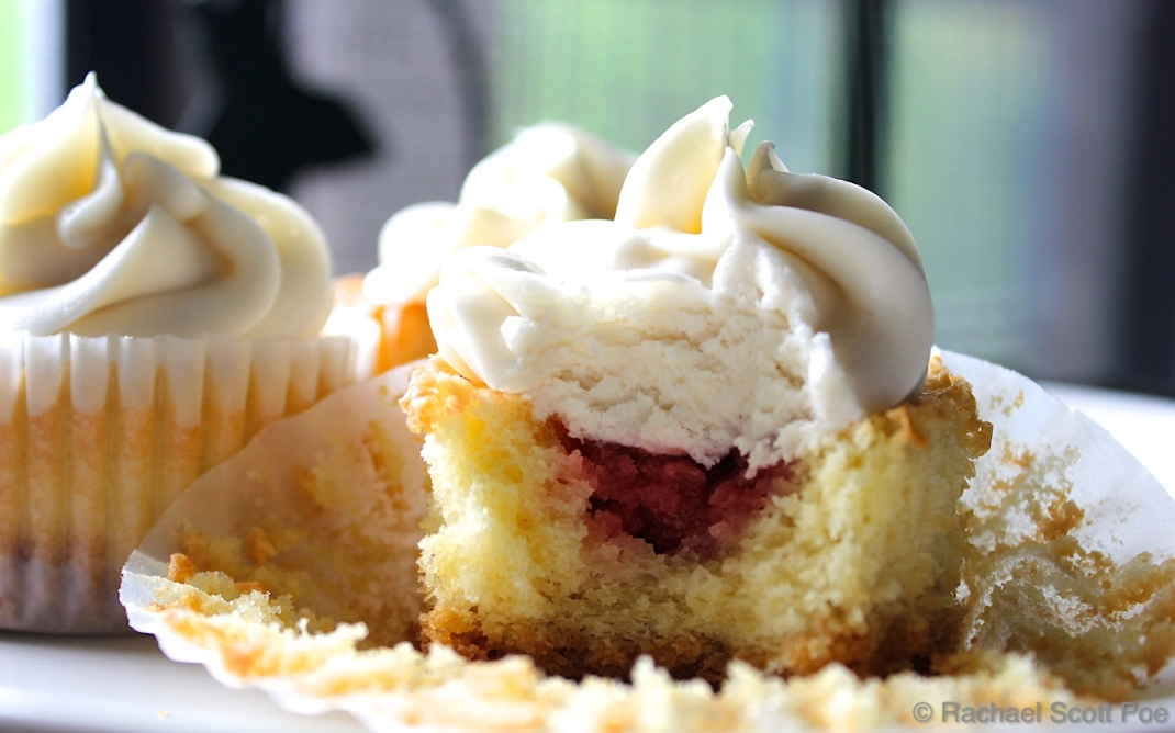 Strawberry Cheesecake Cupcakes | Double the Nilla